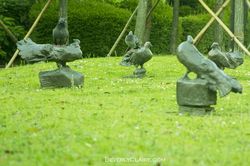 """Guidepost Pigeon"" by (1973-9) by Japanese artist Yanagihara Yoshitatsu.  具象作家の柳原義達の「道標・鳩」(1973-9年)"